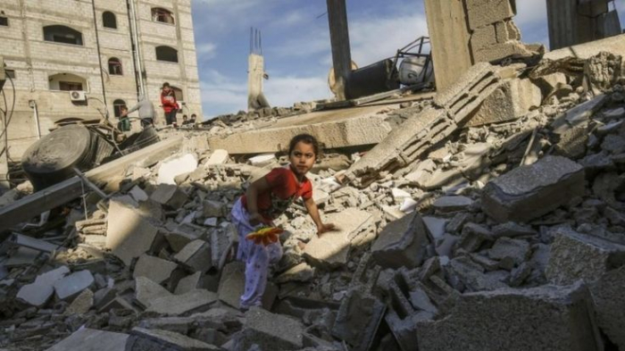 Gaza conflict: Rocket barrage and Israeli strikes intensify