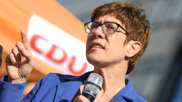 Führende CDU-Politiker stellen sich gegen Kramp-Karrenbauer