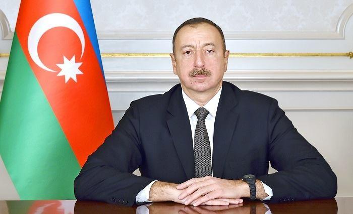 Azerbaijani president offers condolences to Russian counterpart