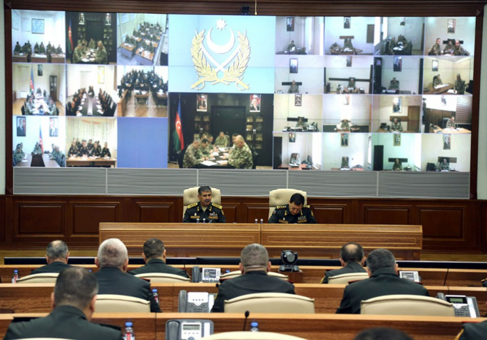 Azerbaijani defense minister instructs to maintain high level of combat readiness
