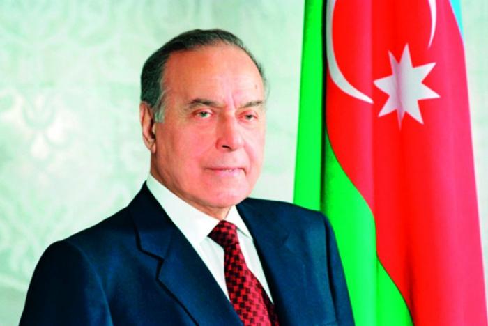 Qatari newspaper publishes article on 96th birth anniversary of Azerbaijan's national leader Heydar Aliyev