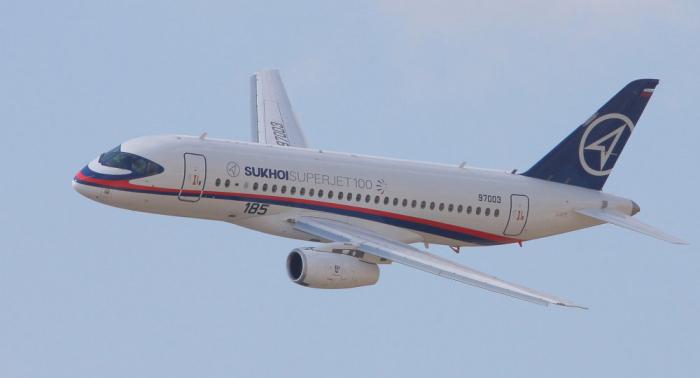 Evacúan otro Superjet 100 del aeropuerto Sheremétievo por pánico
