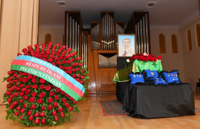 Ilham Aliyev assiste à la cérémonie d