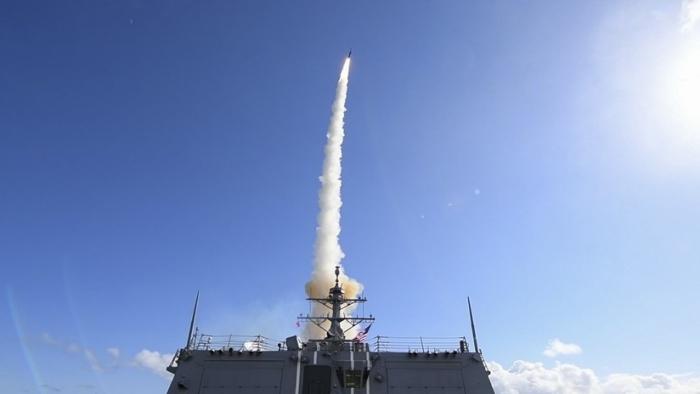 FOTO/VIDEO:   EE.UU. realiza el lanzamiento de un misil antibalístico durante los ejercicios de la OTAN en el Atlántico