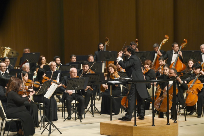 "First VP Mehriban Aliyeva attends concert program ""With love to Azerbaijan"""