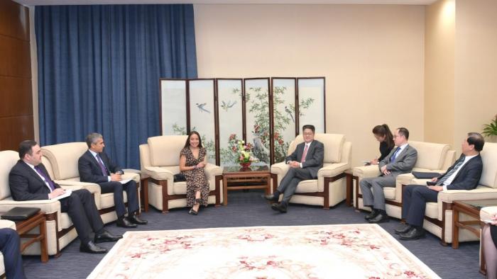 La vice-présidente de la Fondation Heydar Aliyev tient une série de rencontres à Pékin