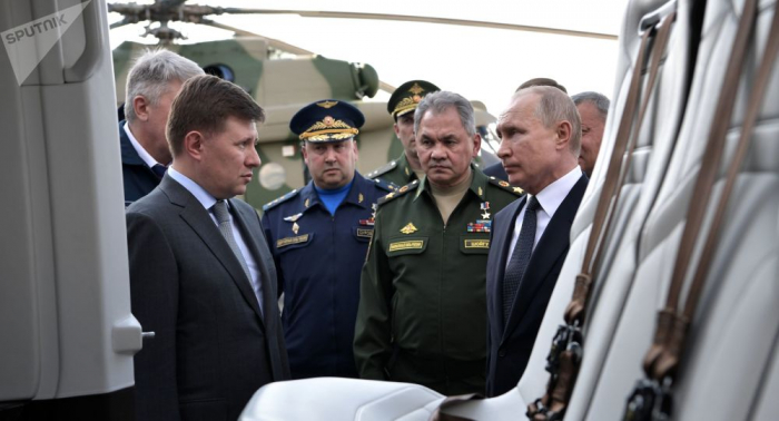 """""""Funktionell und schön"""": Putin nimmt modernste russische Lufttechnik unter die Lupe –   VIDEOs"""
