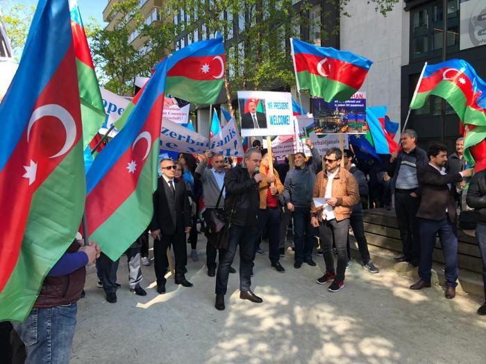 Kundgebung zur Unterstützung von Präsident Aliyevin Brüssel abgehalten-  FOTOS