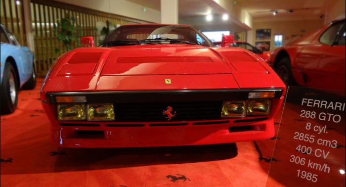 Mann entwendet Ferrari bei Probefahrt