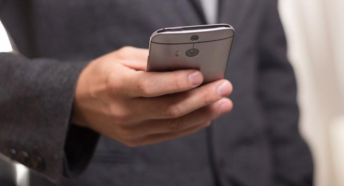 Deutsche telefonierten 2018 erstmals mehr mobil als vom Festnetz
