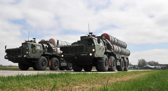 Turquía no pospondrá la compra a Rusia del sistema de misiles S-400
