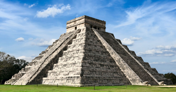What's Inside the Pyramid at Chichén Itzá?-  iWONDER