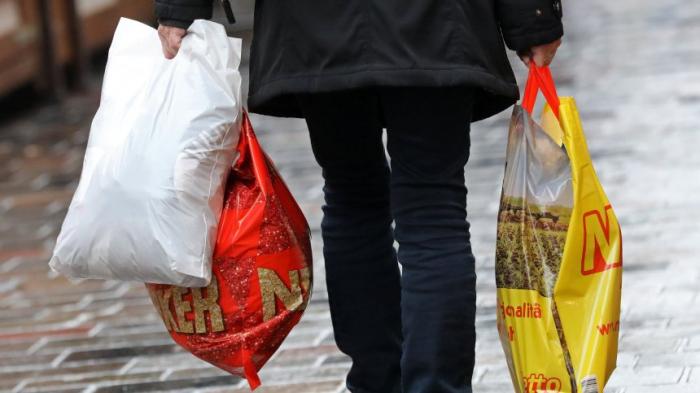 Verbrauch von Plastiktüten sinkt
