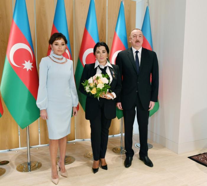 Präsident Aliyev und First Lady Mehriban Aliyeva treffen sich mit Präsidentin des Russischen Verbandes für Rhythmische Gymnastik