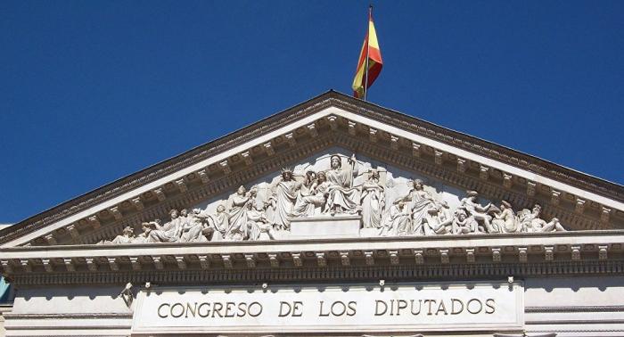 Los presos independentistas recogen su acta de diputados en el Congreso español
