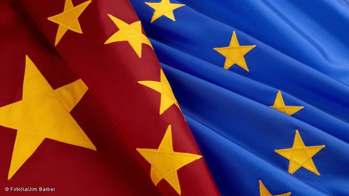 """La Unión Europea y China firman """"históricos"""" acuerdos de aviación"""
