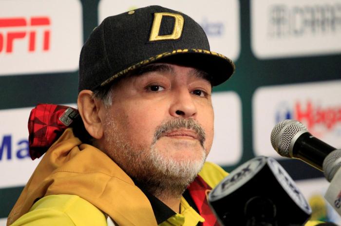 Maradona viaja a Argentina para operarse del hombro