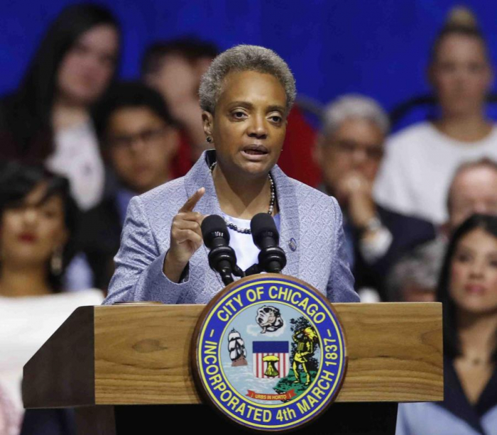 Juramenta Lori Lightfoot, la primera alcaldesa negra y gay de Chicago