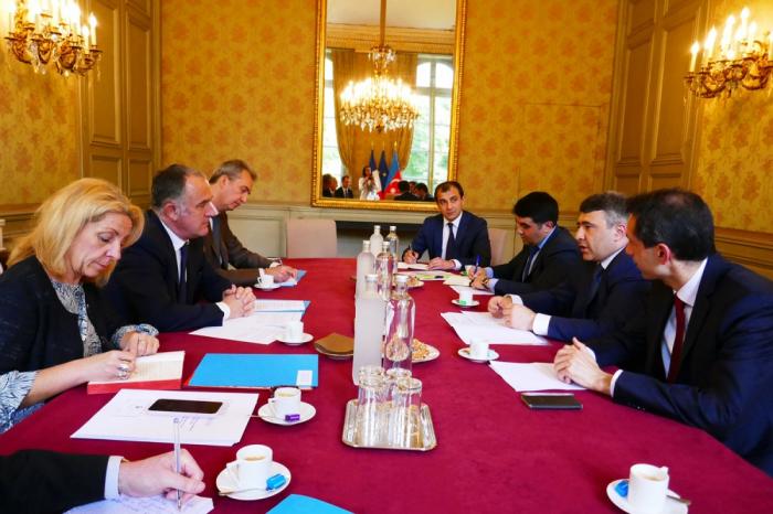 Le ministre azerbaïdjanais de l'Agriculture rencontre son homologue français