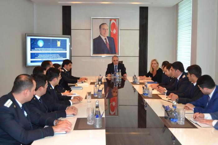 La directora ejecutiva de la Asociación Internacional de Fiscales se encuentra en Bakú