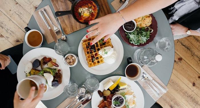 Starke Müdigkeit nach Essen kann Zeichen ernster Krankheit sein