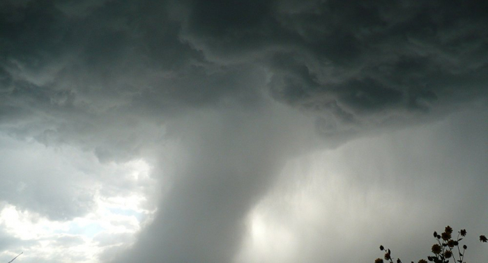 Un fuerte tornado deja varios muertos en EEUU