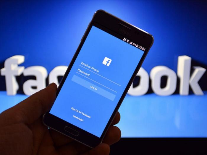 """""""Facebook"""" üç milyarddan çox saxta hesabı silib"""