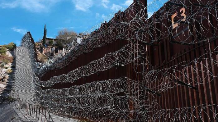 Richter blockiert Geld für Trumps Mauer
