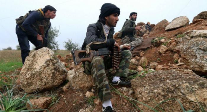 Unos 200 terroristas de Al Nusra atacan al Ejército sirio en Hama