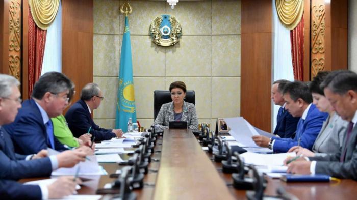 Nazarbayevə Qazaxıstanın fəxri senatoru statusu verildi