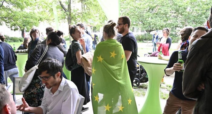Reaktion auf Europawahl: Kramp-Karrenbauer und Söder kündigen Kampf gegen Grüne an