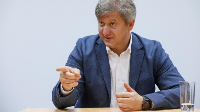 Ukraine's ex-finance minister Danylyuk to head security & defense council