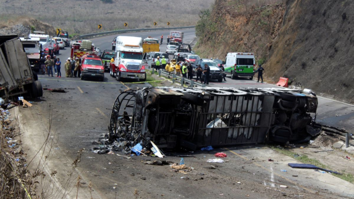 At least 23 people killed in Mexico bus crash