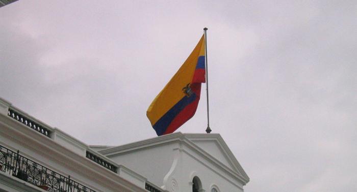 Ecuador supera primer examen de misión del FMI