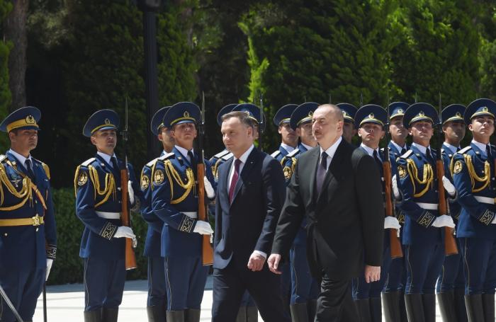 Polish president officially welcomed in Baku - PHOTOS