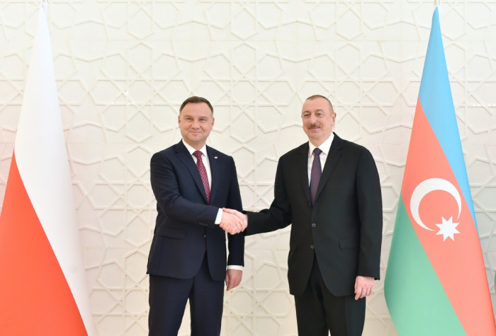 Azerbaijani, Polish presidents hold expanded meeting