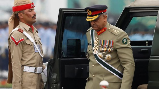 Pakistan general gets life for spying