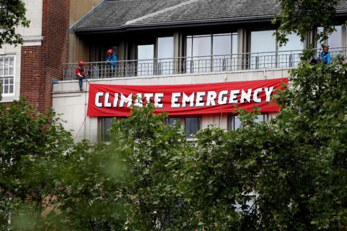 Des militants de Greenpeace arrêtés lors d