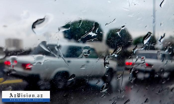 Rayonlara intensiv yağış yağıb, leysan olub