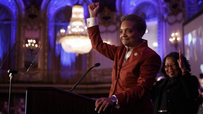 Erste schwarze Frau in der Geschichte von Chicago tritt ihr Amt als Bürgermeisterin an