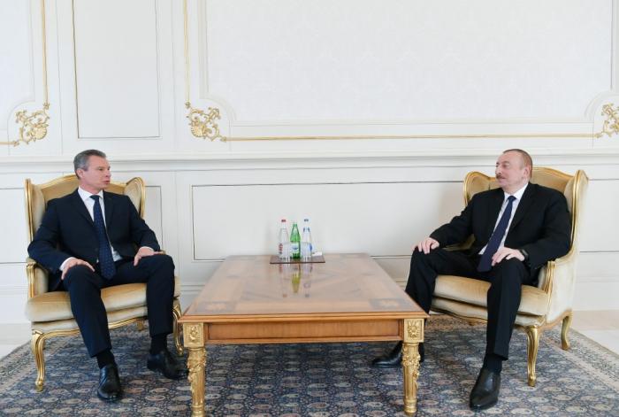 Azerbaijani president receives credentials of incoming Ukrainian ambassador