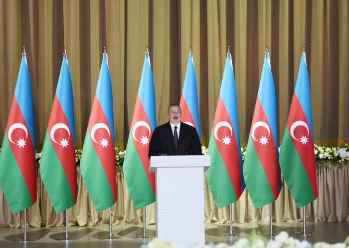 President Ilham Aliyev attends official reception on Republic Day