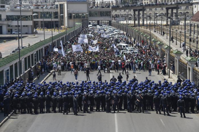 Alger: nombreuses arrestations avant un nouveau rassemblement contre le pouvoir