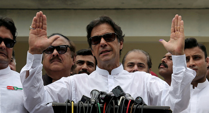 حادث مروع في باكستان وعمران خان يتخذ قرارا عاجلا
