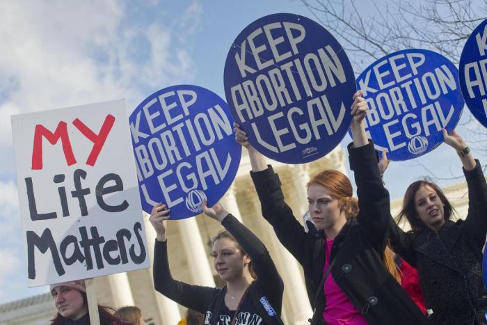 Frauen protestieren auf Twitter gegen Abtreibungsgesetz von Alabama