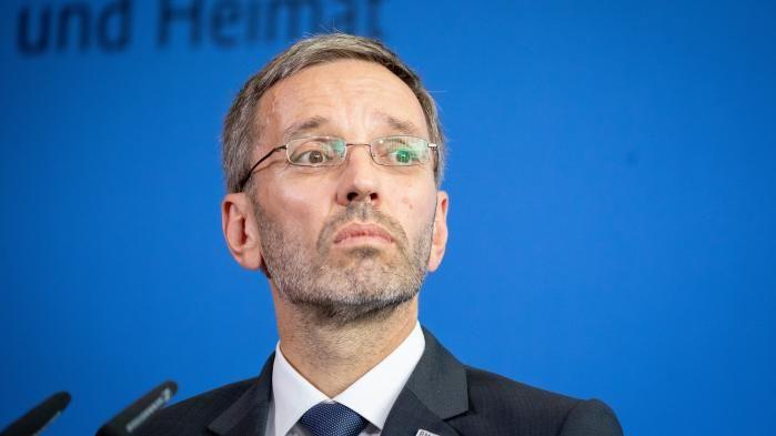 Autriche: le ministre de l
