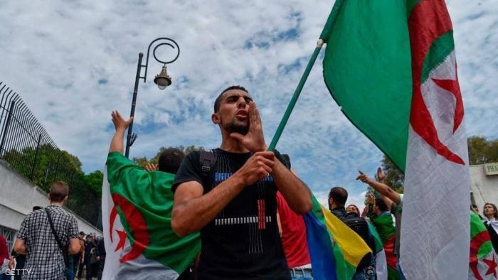 الجزائر.. اعتقالات بالتزامن مع احتجاجات الجمعة الـ14