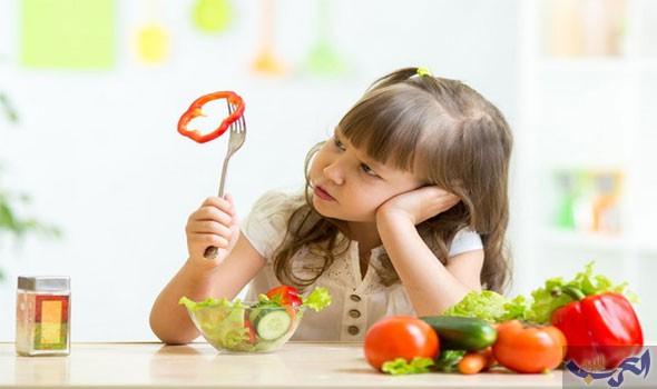 أفضل طريقة لإقناع طفلك بتناول الطعام الصحي