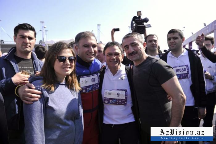 Dövlət rəsmiləri marafonda - FOTOLAR