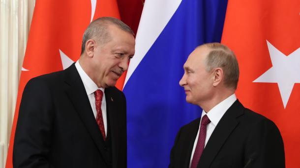 Idleb:   Erdogan et Poutine discutent des derniers développements